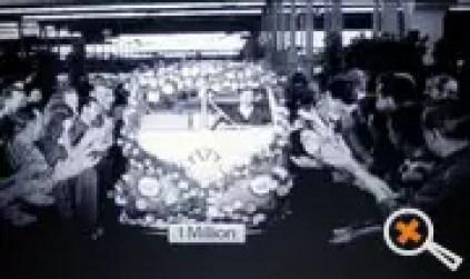 Aplausos dos operários para este veículo que foi um marco desde a idéia inicial lançada por Bem Pon e que alcançou neste momento seu número de fabricação um milhão.