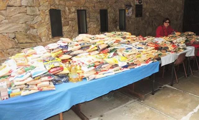 Quase duas toneladas de alimentos arrecadados
