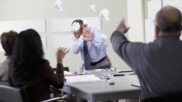 Menghadapi Penindasan Di Kantor