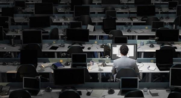 sendiri di kantor