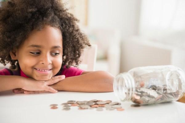 mengajari anak mengelola uang