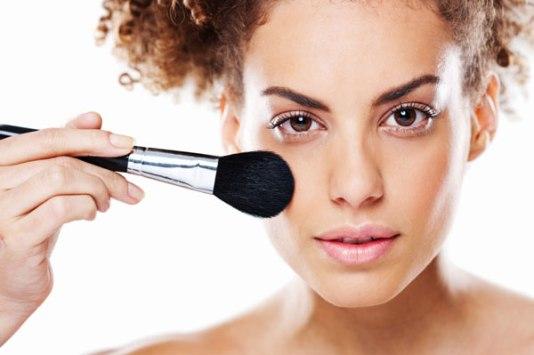 Produk Makeup Industri Kecantikan