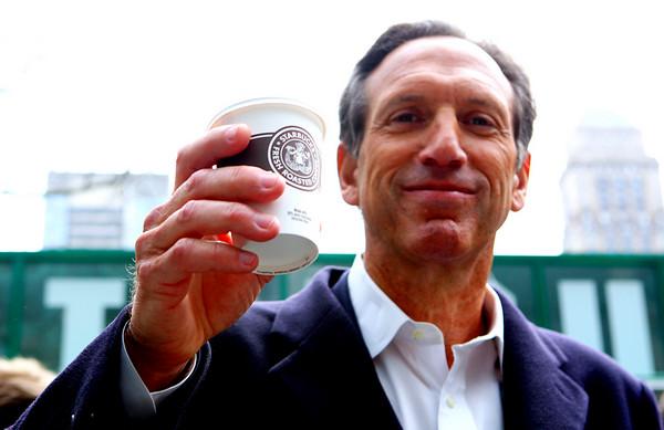 Schultz Membeli Starbucks