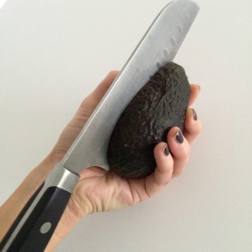 How To Cut An Avocado 3