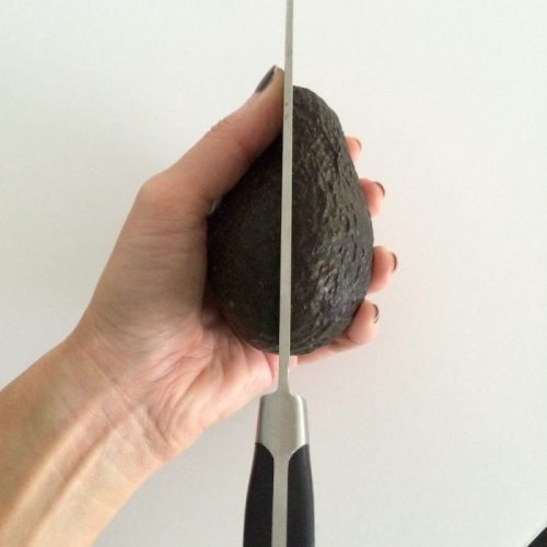 How To Cut An Avocado 4