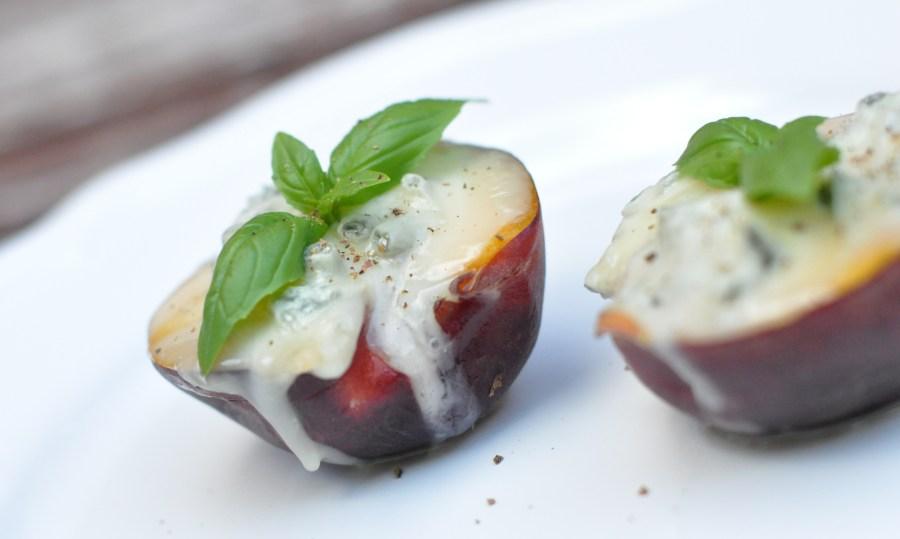 Gorgonzola peaches