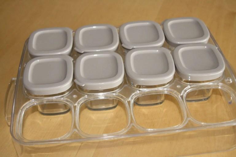 pots de yaourts dans le support de rangement SEB Multidélice