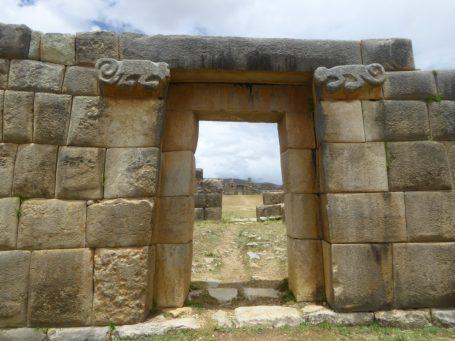 Eingang des einmaligen Schlosses