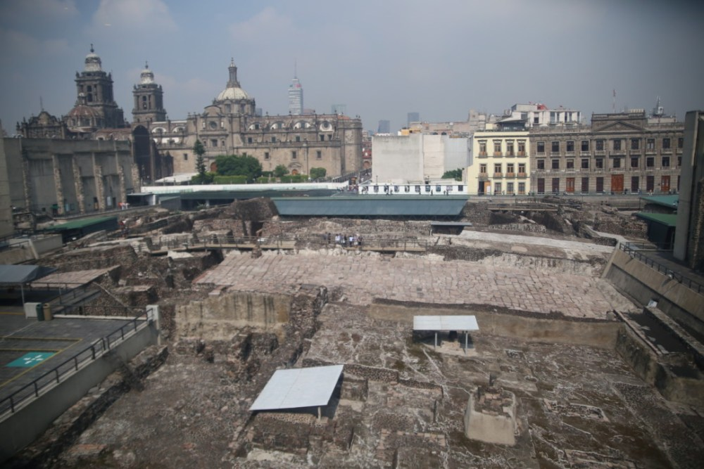 Vue d'ensemble sur le Templo Mayor depuis le dernier étage du musée, Mexico © M.C.