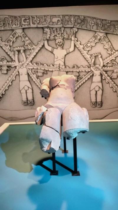 La Femme Scarifiée, statue retrouvée sur le site de Tamtoc, San Luis Potosi