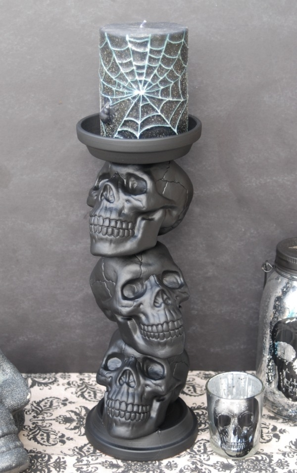 halloween-decor-skull-candle-holder