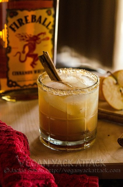 Holiday Drinks - Apple Pie On The Rocks - Vegan Yack Attack