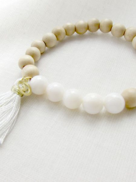 Bracelet_bois_naturel_natural_perles_claires_nacre_may_ boheme
