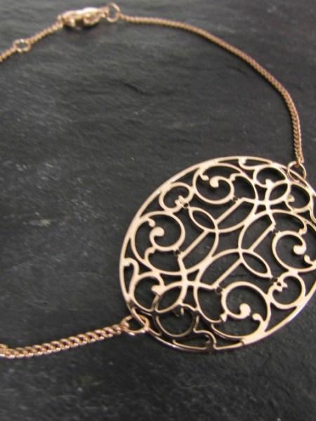 """Bracelet NINA """"MAY MOUCHARABIEH"""" - Médaille orientale dorée à l'or fin rose"""