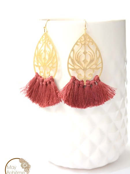 bo_boucle_oreilles_pompon_ocre_rouille_plaque_or_art_deco_oriental_goutte_filigrane_may_boheme