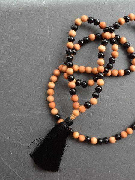Sautoir LEILA SWEET SANTAL - Perles de santal et onyx