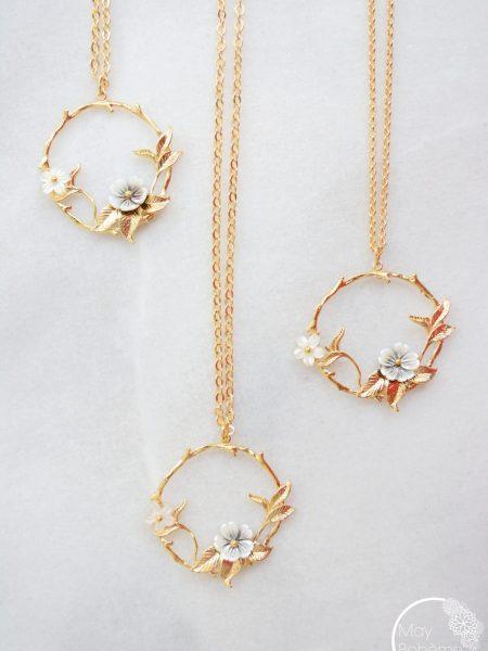 """Sautoir Sweet Blossom """"Art Bucolique"""" - Sautoir pendentif fleurs en nacre"""