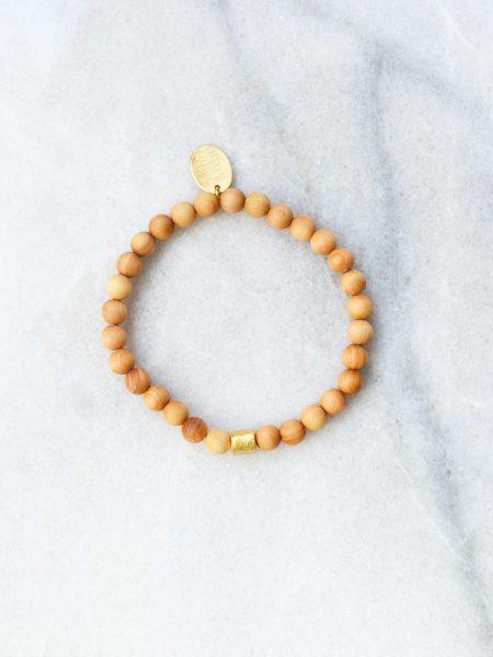 Bracelet Emi SWEET SANTAL - Perles de santal perle cylindre plaqué or