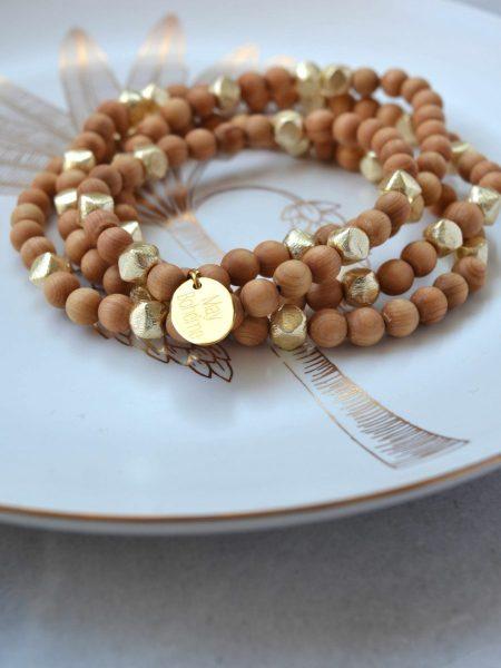 Sautoir Shalima SWEET SANTAL - Perles de santal perles plaqué or indiennes