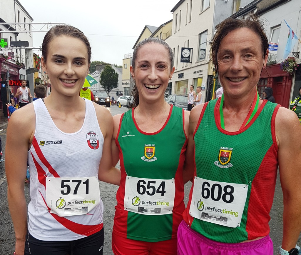Senior women medal winners l-r 3rd Serena Tuffy, 1st Norah Newcombe Pieterse, 2nd Colette Tuohy