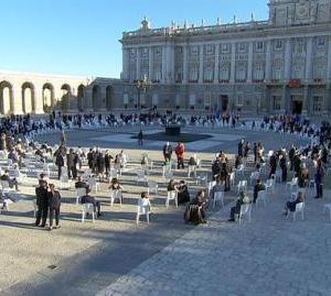 La Plataforma del Tercer Sector homenajea a las víctimas de Covid-19 en el acto de Estado