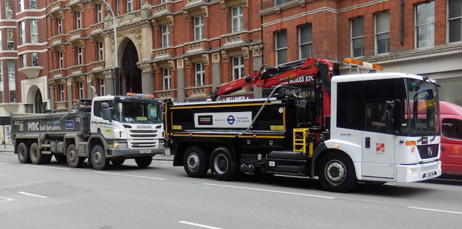 A standard HGV alongside a new cycle friendly prototype demonstrated recently by Mayor Boris Johnson and Transport for London. image: TfL