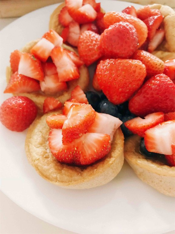 Gluten-free Pancake Cups with Strawberries