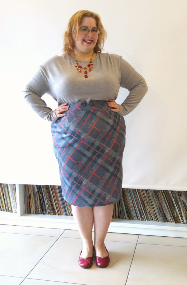 may plaid skirt n grey top small