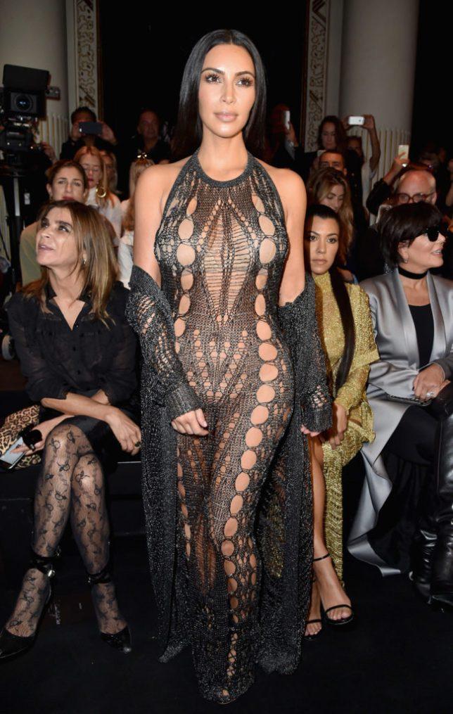kim-kardashian-balmain-spring-2017-fashion-show-front-row-pfw-paris-fashion-week-tom-lorenzo-site-1-650x1024
