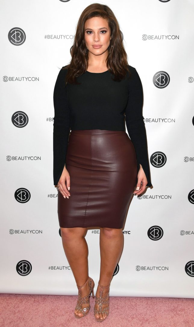 Ashley Graham attends the 2016 Beautycon Festival NYC at Pier 36 on October 1, 2016 in New York City. / AFP / ANGELA WEISS (Photo credit should read ANGELA WEISS/AFP/Getty Images)