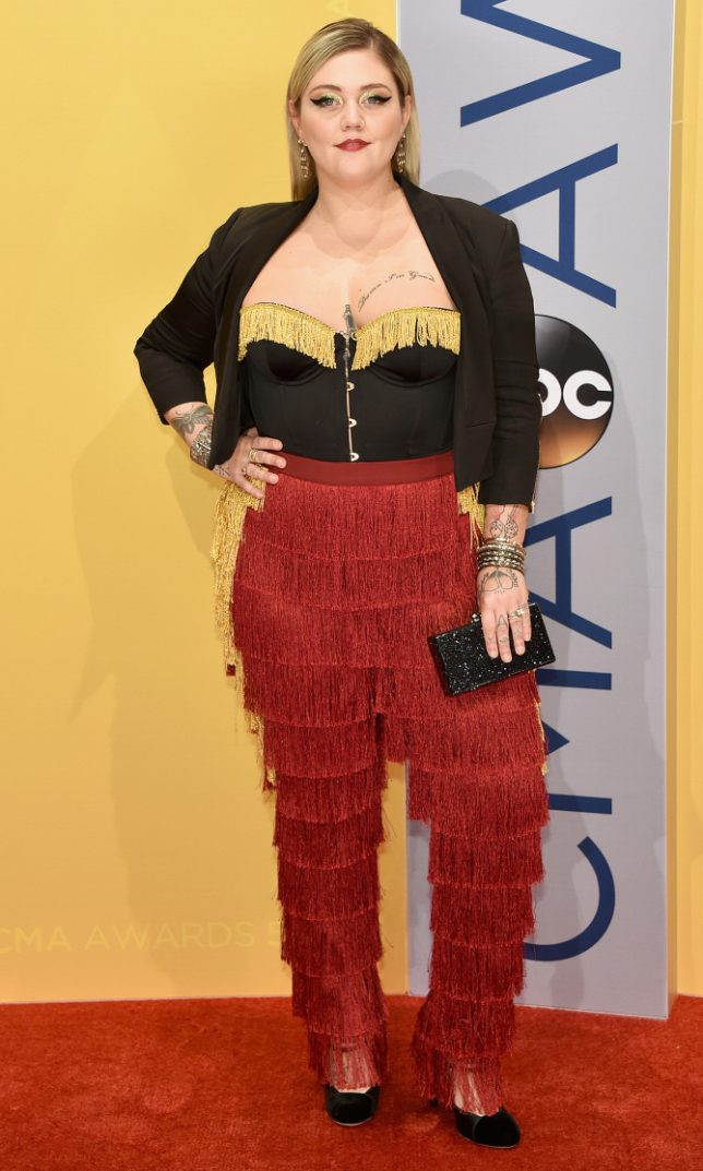 NASHVILLE, TN - NOVEMBER 02:  Singer-songwriter Elle King attends the 50th annual CMA Awards at the Bridgestone Arena on November 2, 2016 in Nashville, Tennessee.  (Photo by John Shearer/WireImage)