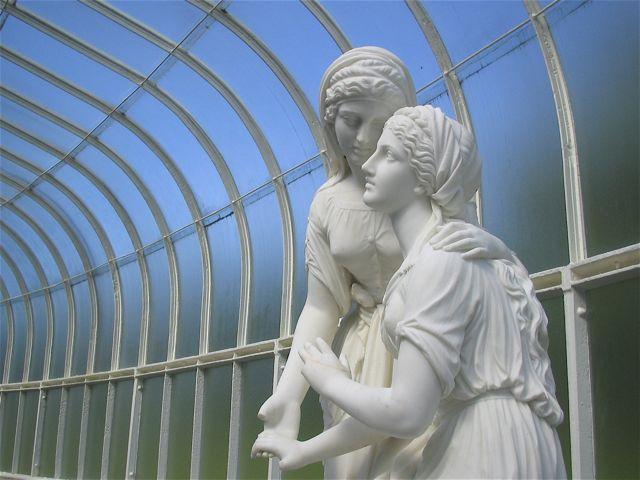 Botanic Gardens statues in Glasgow