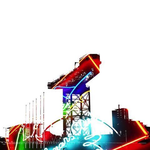 Glas Vegas neon sign backdrop for Glasgow's Titan Crane