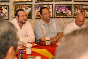 Se reúne Fernando Pucheta con restauranteros