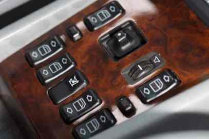 Mercedes-260-E-lang-Fensterheber-fotoshowBig-131b12da-592845