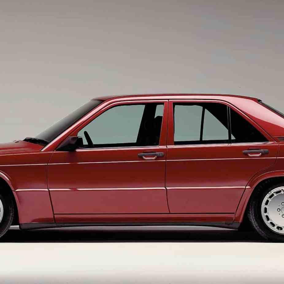 Mercedes-Benz 190 E 2.5-16 (1988 bis 1993) der Baureihe 201, Seitenansicht von links.