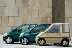 Drei kompakte Mercedes-Benz aus zwei Jahrzehnten: Nahverkehrsfahrzeug NAFA (1981), Studie A (1994) und Mercedes-Benz A-Klasse (1997, Baureihe 168).