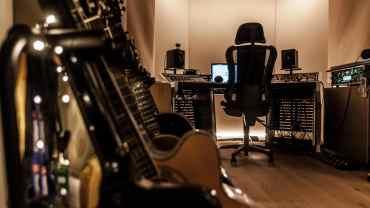 Blessville Studio guitars