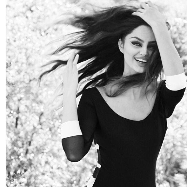 عارضة الأزياء الإيرانية ماهلاغا جابري