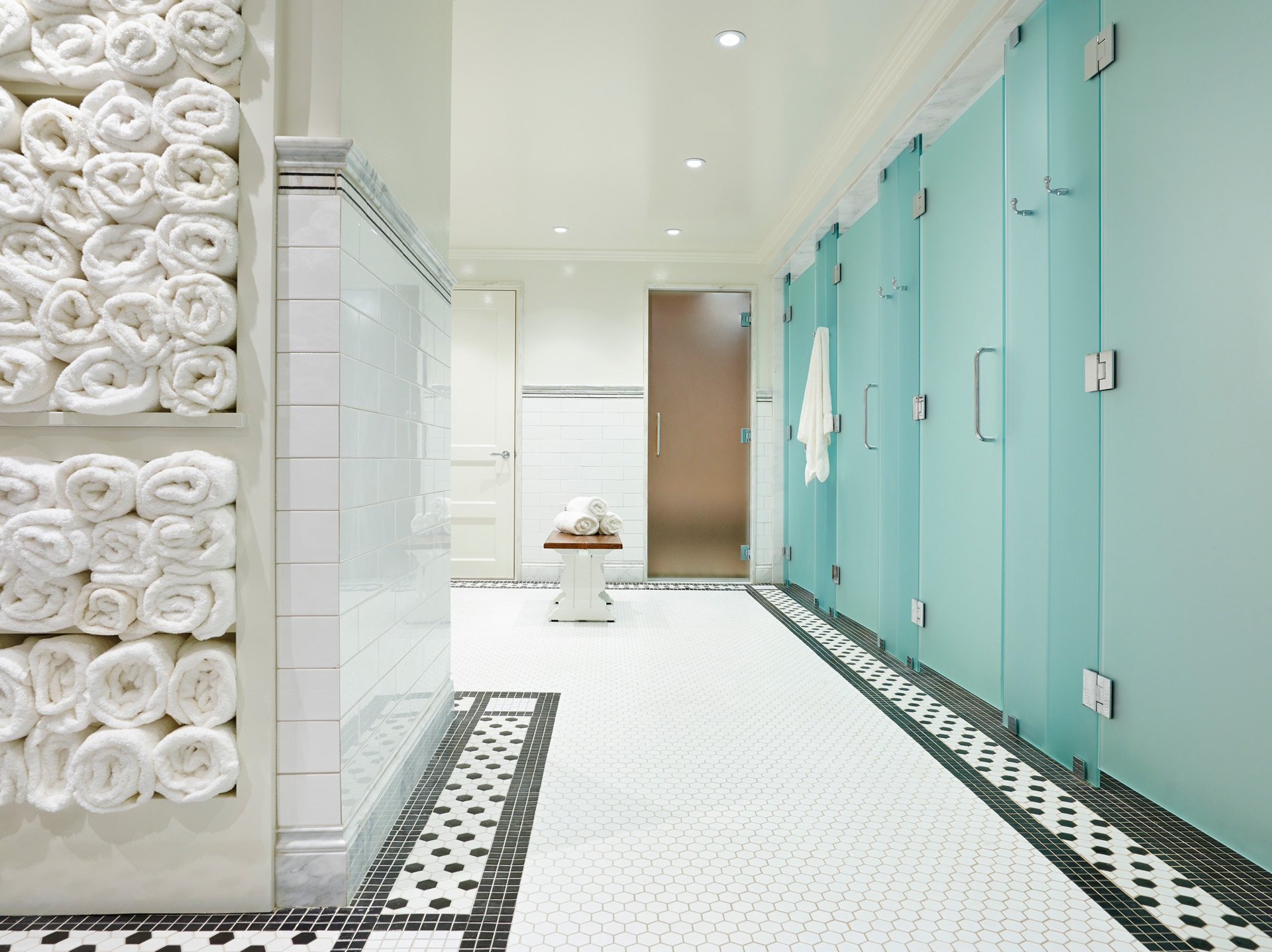 Murphy-Brothers-contracting-commercial-Apawamis-Club-interior-Bathroom-01