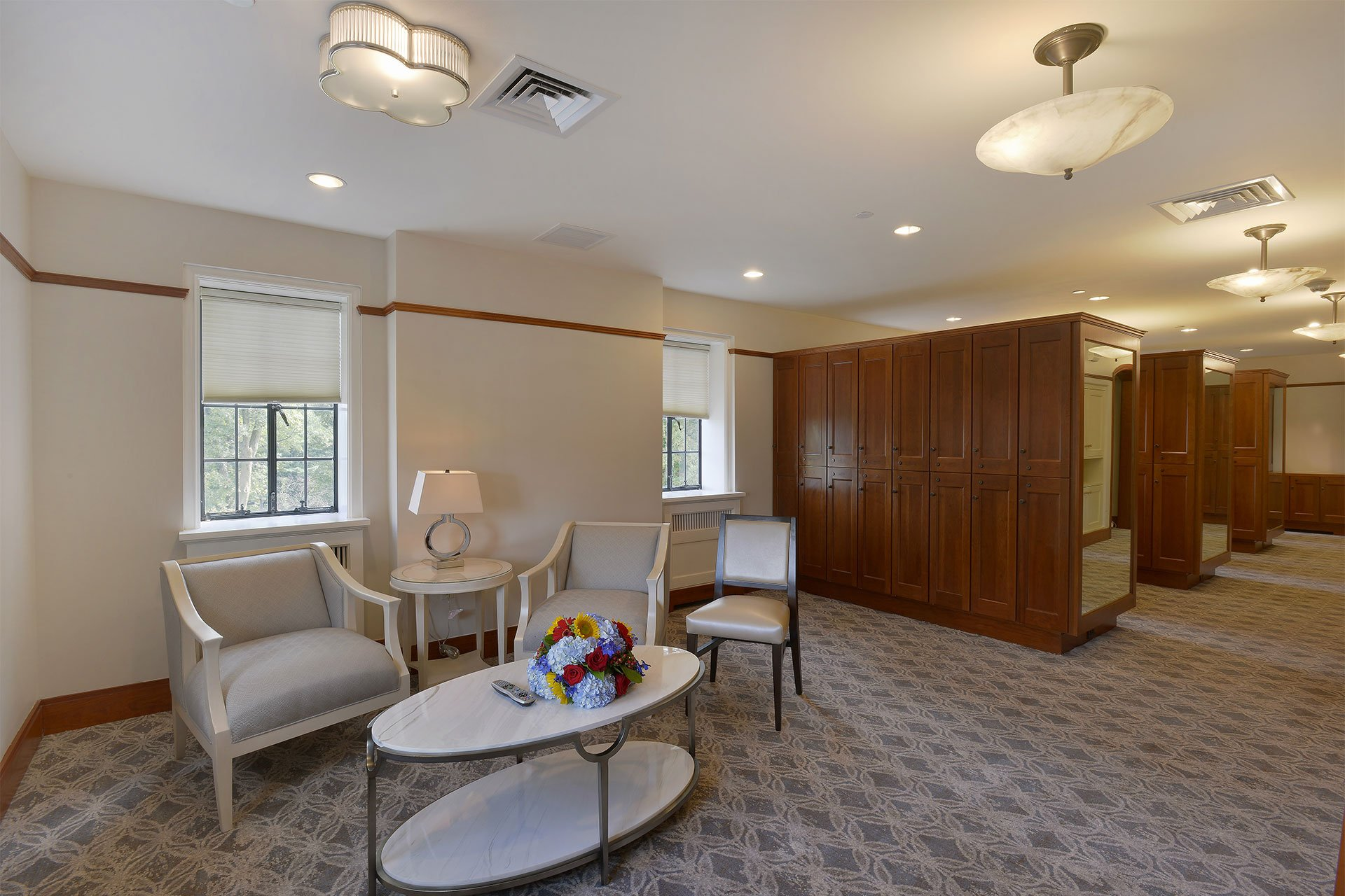 murphy-brothers-contracting-commercial-ardsley-country-club-interior-bathroom-locker-room-lounge