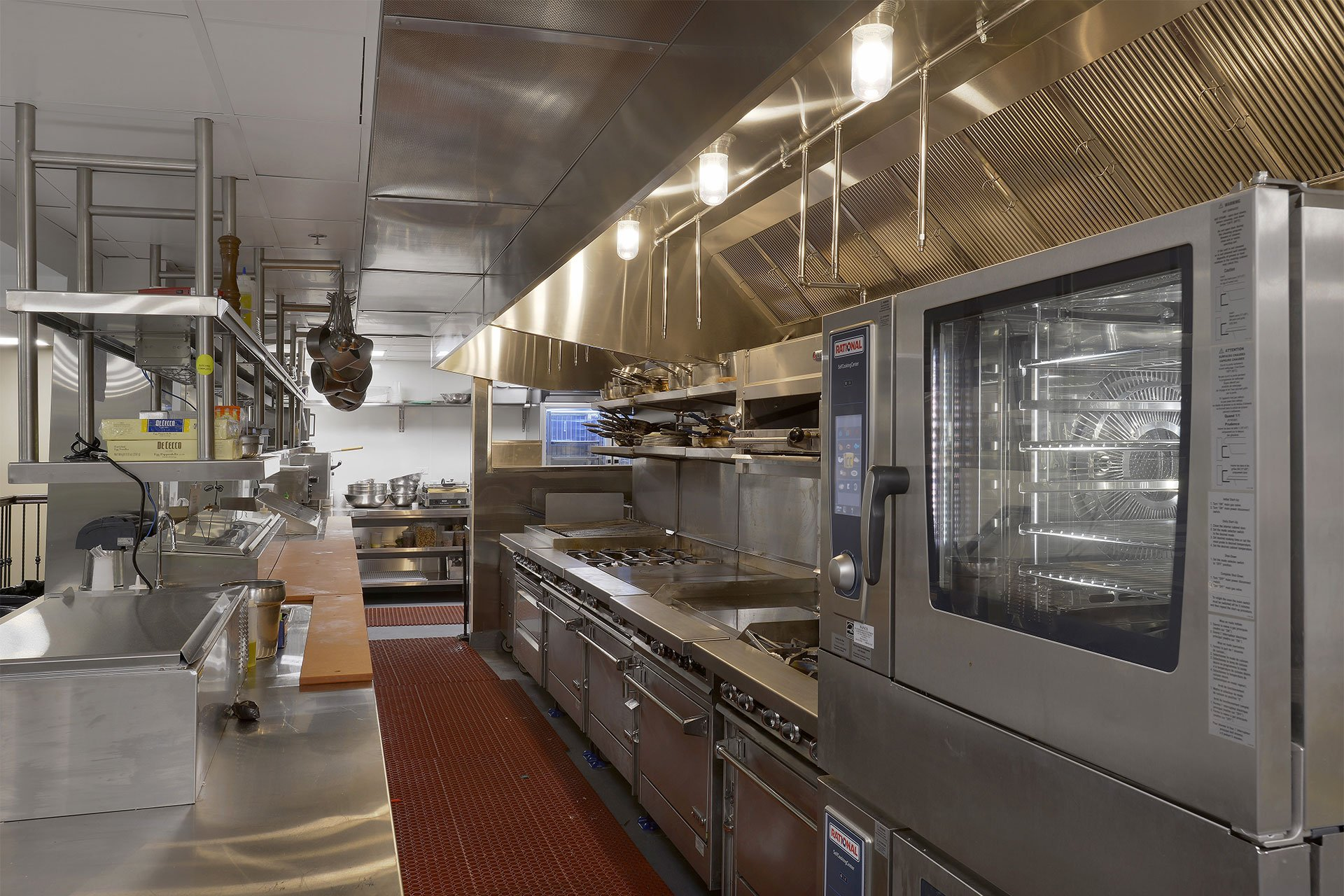 murphy-brothers-contracting-commercial-ardsley-country-club-interior-kitchen