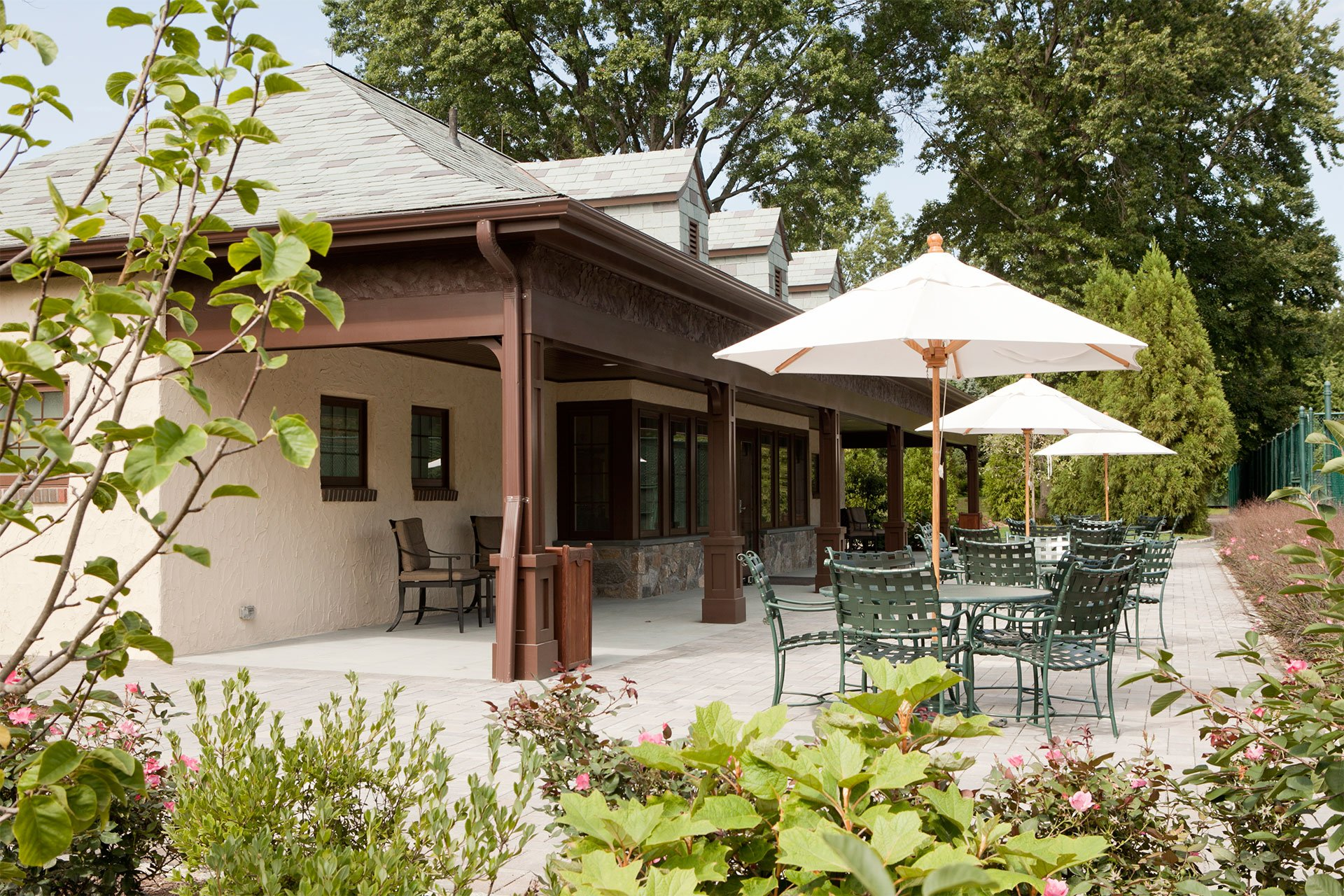 murphy-brothers-contracting-commercial-commercial-quaker-ridge-exterior-tennis-12