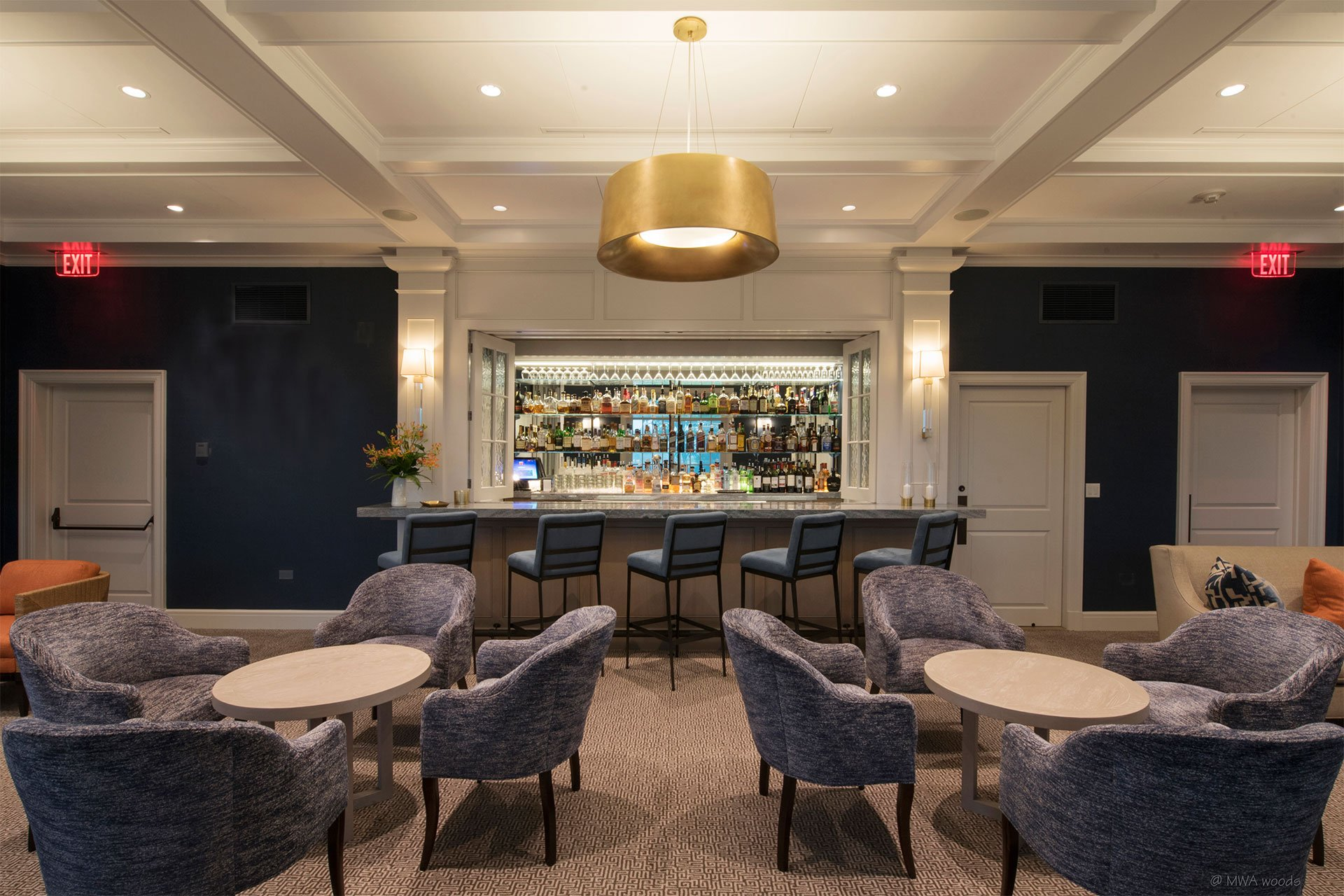 murphy-brothers-contracting-commercial-greewich-country-club-elmers-lounge-07 (1)