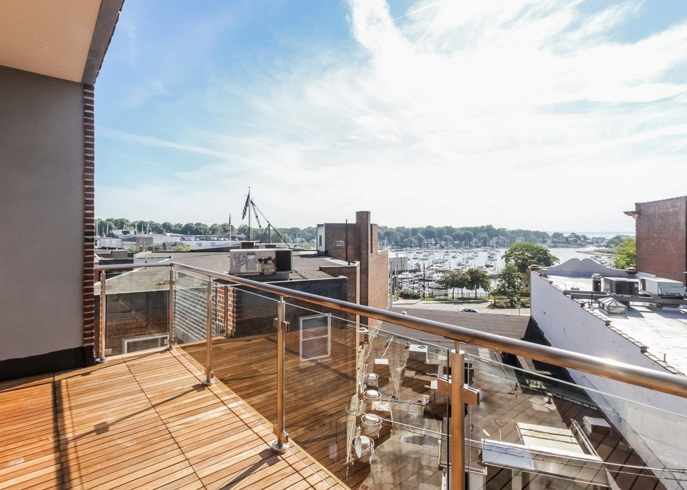 murphy-brothers-contracting-commercial-harbor-court-Ext-deck