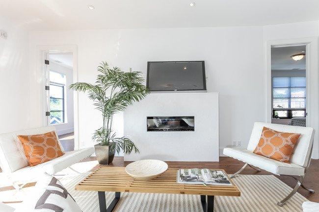 murphy-brothers-contracting-commercial-harbor-court-livingroom