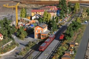 Blick auf den Bahnhof und die Baustelle des Einkaufszentrums