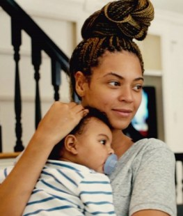 Beyonce Knowles new documentary on HBO, 'Beyonce; Life Is But A Dream'.
