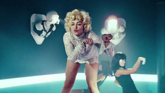 madonna-give-me-all-your-luvin-video-2012