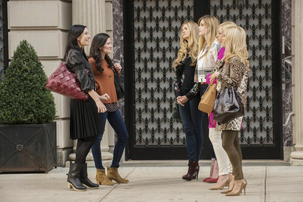 ODD MOM OUT -- Episode 101 -- Pictured: (l-r) Jill Kargman as Jill, KK Glick as Vanessa, Alice Callahan as Stephanie, Byrdie Bell as Simone, Abby Elliott as Brooke, Ilana Becker as Danielle -- (Photo by: Barbara Nitke/Bravo)